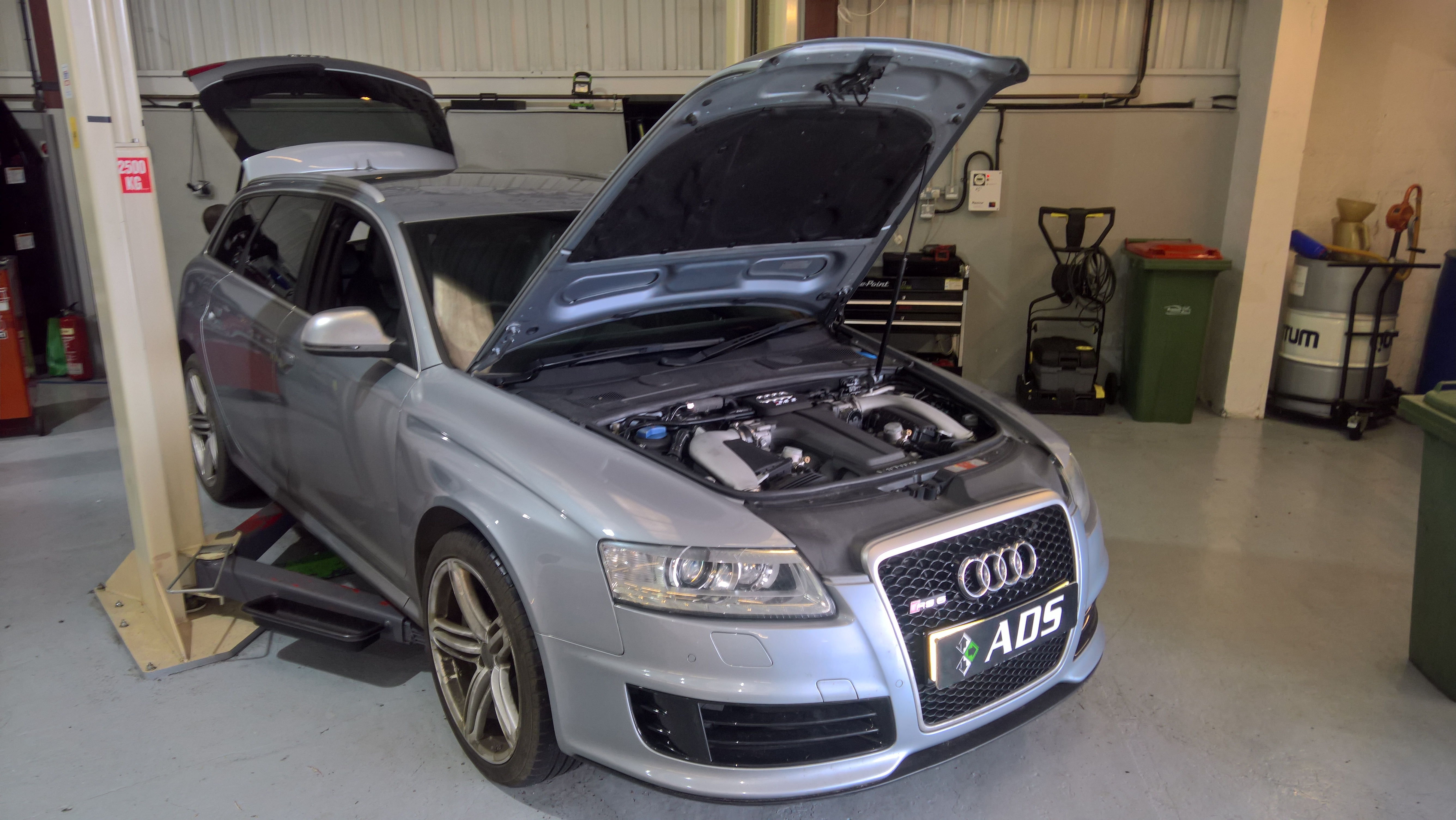Audi RS6 c6 engine removal
