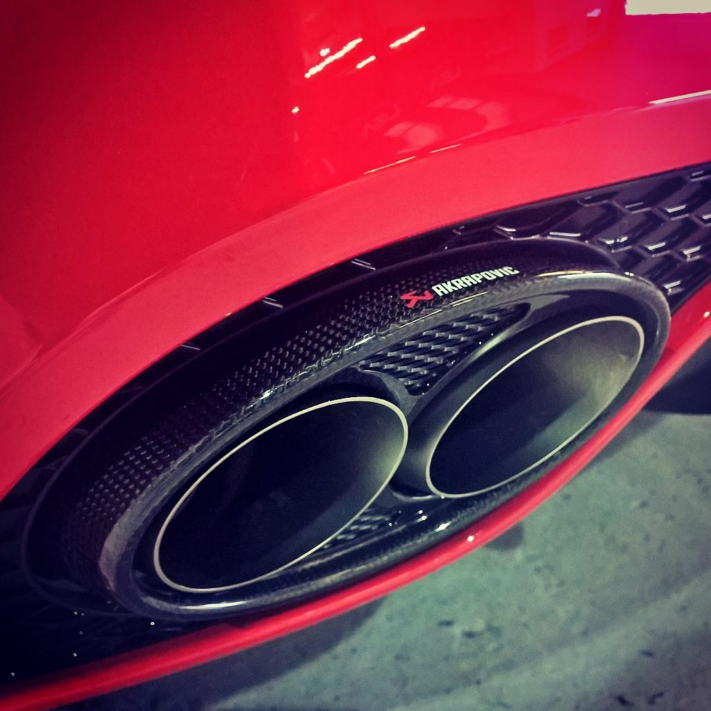 audi RS5 akrapovic exhaust system
