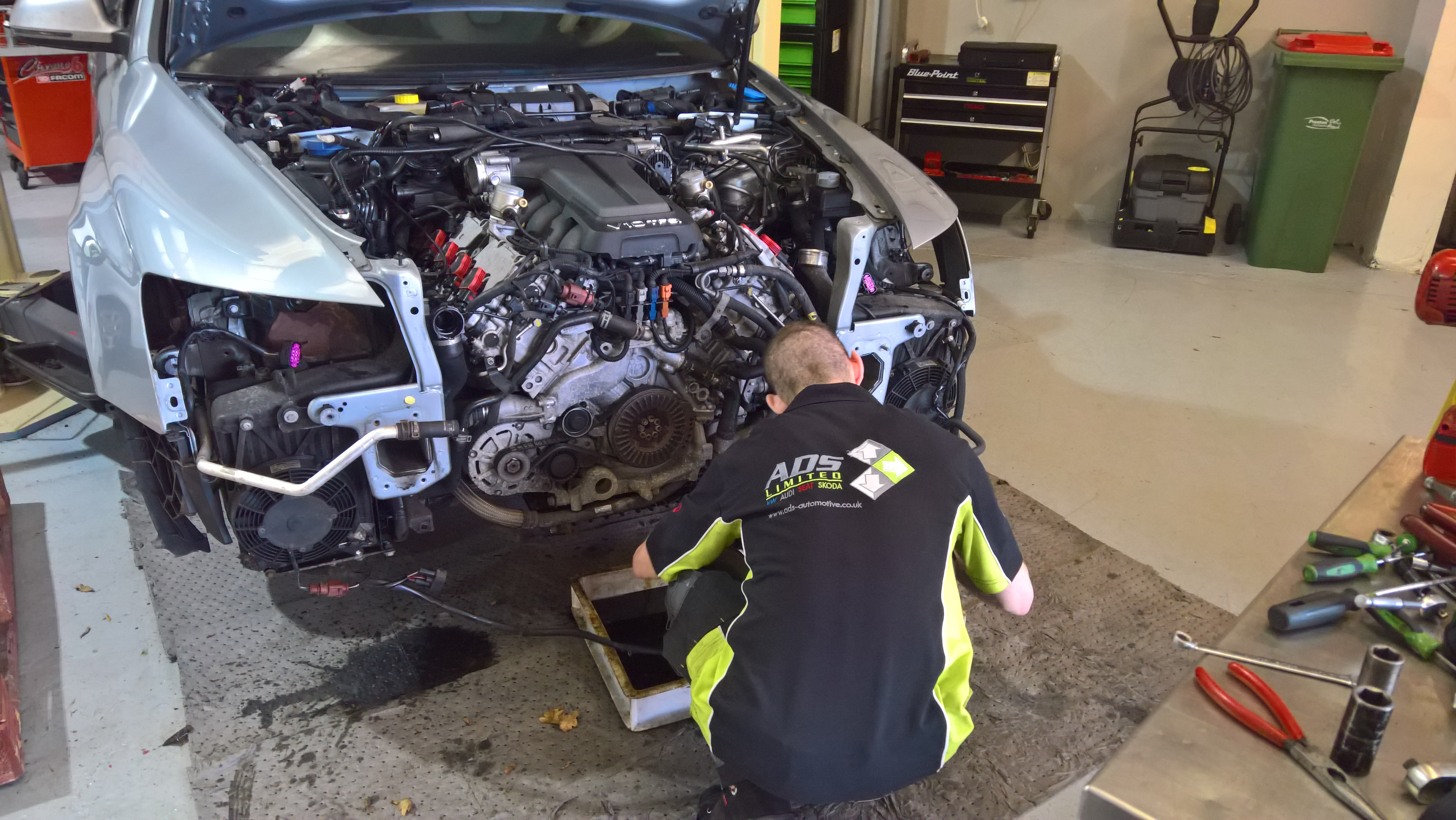 Audi RS6 engine removal
